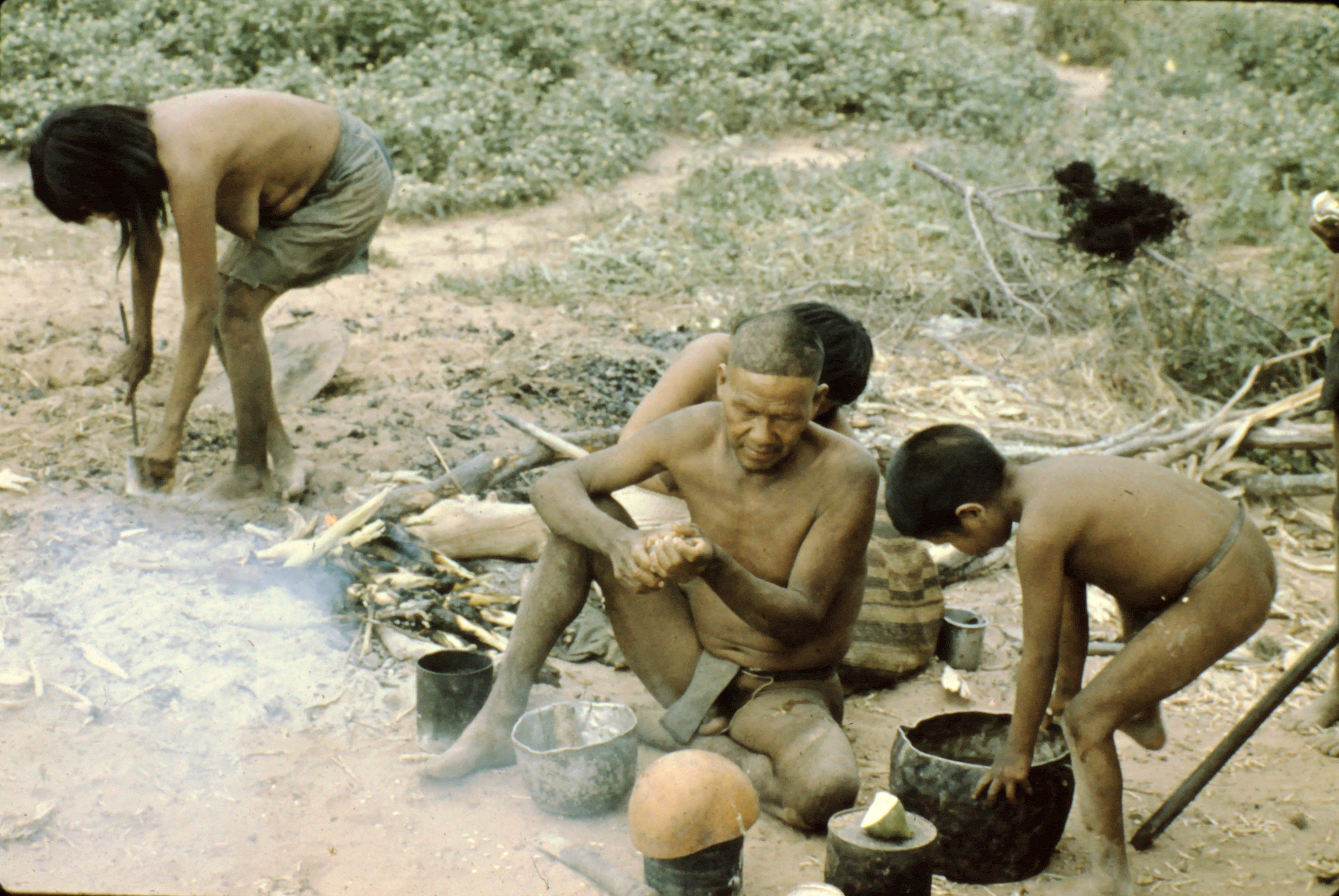 Ayoré Family begins to cook evening meal