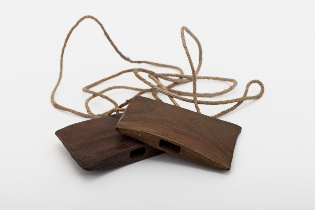 Wooden whistle (whistles).