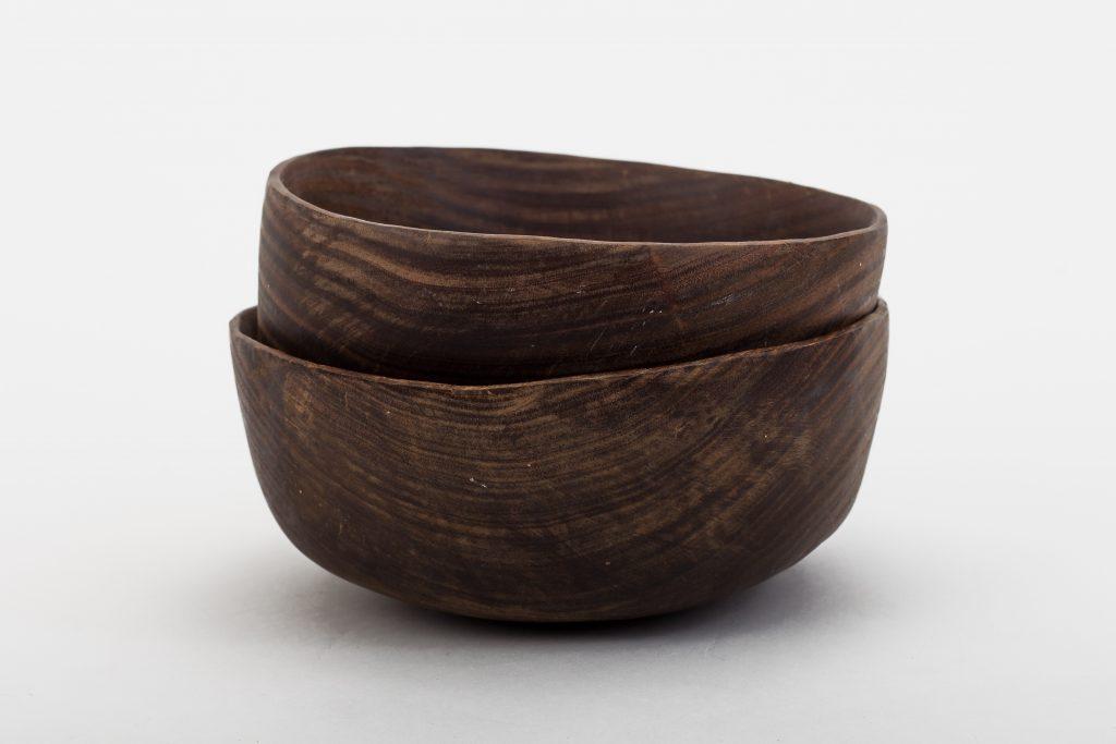 Wooden bowl (bowls).
