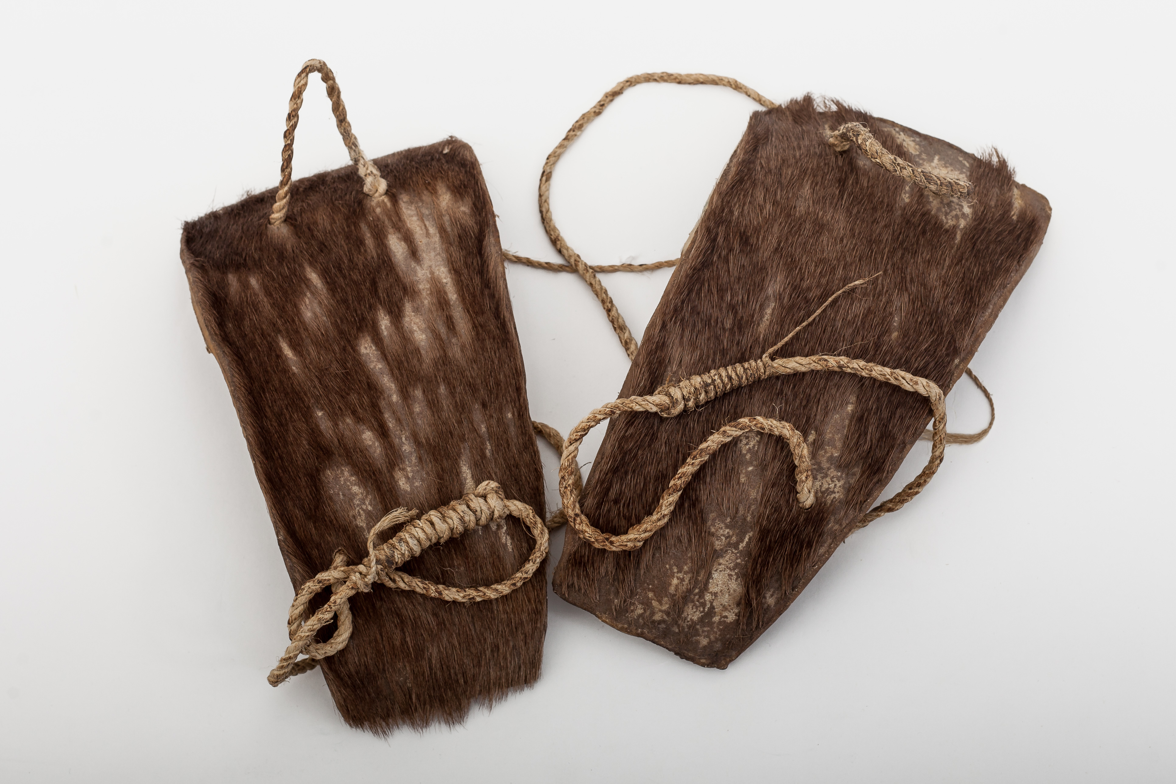 """Sandals made from """"cabáyu aode""""=tapir hide."""